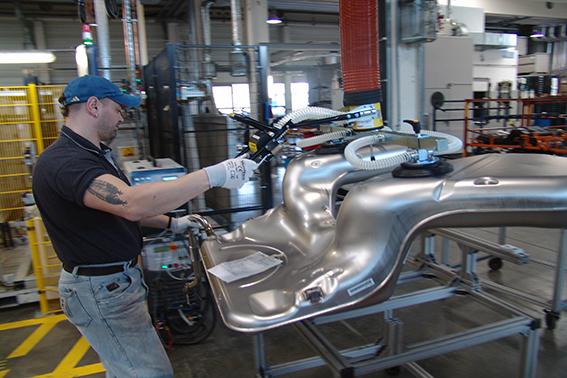Automobilindustrie, Blech, Metall, Autoteile, Schlauchhebegerät, TAWI
