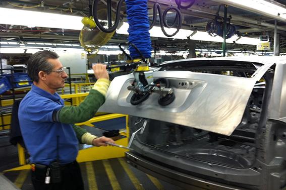 Automobilindustrie, Blech, Metall, Autoteile, Schlauchhebegerät, TAWI,